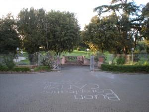 L'ingresso e il parco di Villa Sciarra